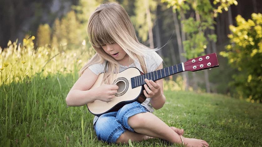 Avec quel instrument faire débuter la musique à son enfant ?