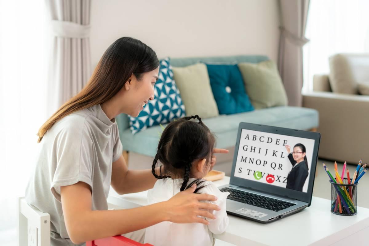 Apprentissage de l'anglais : les solutions pour un enfant timide